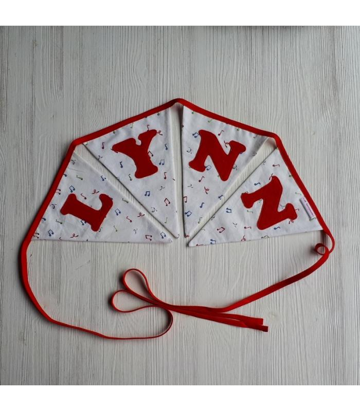 Vlaggetjeslijn met naam Lynn